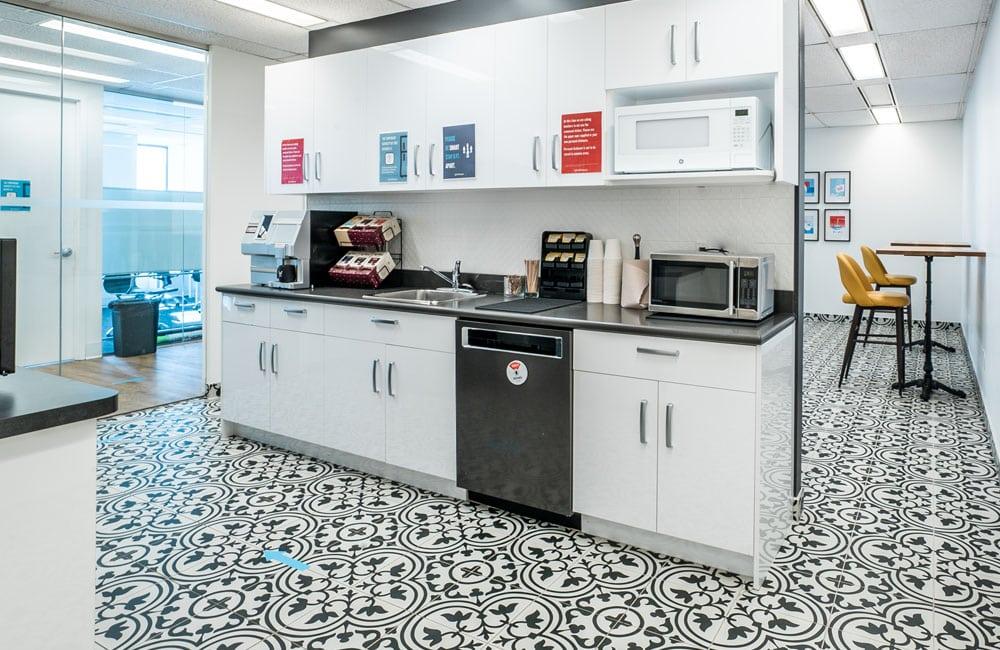 Workhaus 180 Dundas Street West - Kitchen