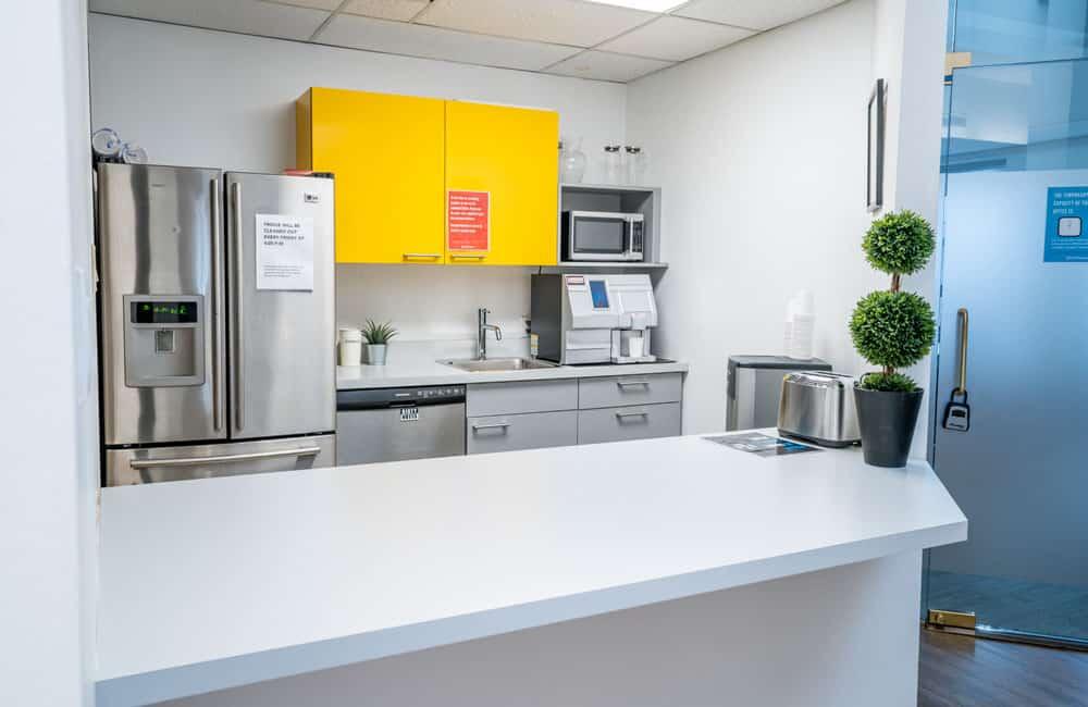 Workhaus 350 Bay Street - Kitchen