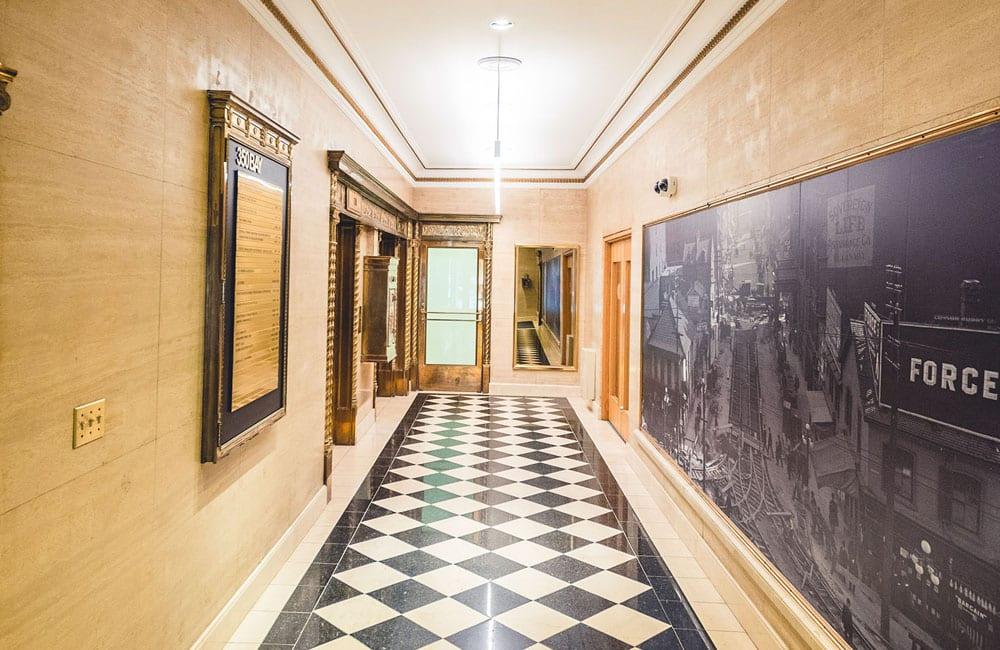 Workhaus 350 Bay Street - Lobby