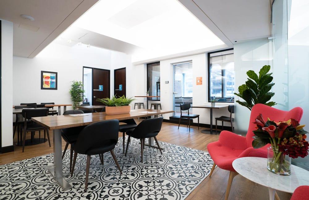 Workhaus 350 Bay Street - Lounge